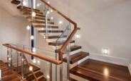 Sử dụng đèn led trang trí cầu thang giúp tối ưu không gian sinh hoạt