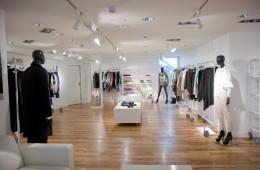 Cách chọn đèn led rọi ray hiệu quả cho shop thời trang