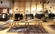 Chọn và bố trí đèn led rọi ray cho shop thời trang