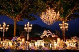 Lung linh, lãng mạn với 4 loại đèn trang trí đám cưới
