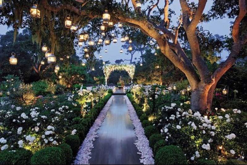 Đẹp, độc, ấn tượng với mẫu trang trí tiệc cưới bằng đèn led